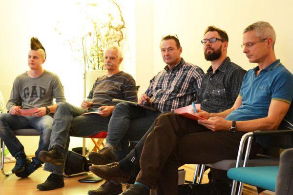 Interessierte  Teilnehmende beim  Bürgerdialog