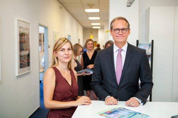 Michael Müller mit der Projektleiterin Katrin Petermann.